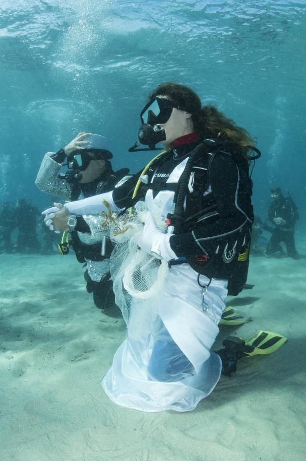 Underwater Wedding with Luca & Laura